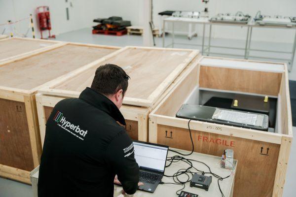 Hyperbat crate